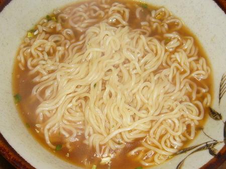 イトメンの無塩製麺しょうゆ味ラーメン